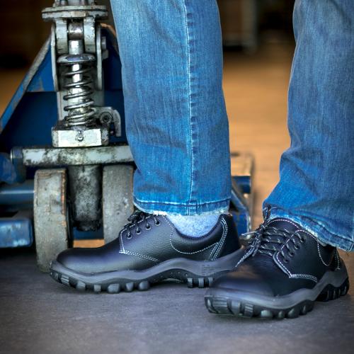 Cómo cuidar tus zapatos de seguridad